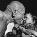 Gandhi_and_child-