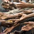 Mani-aiutare-gli-altri-Dio