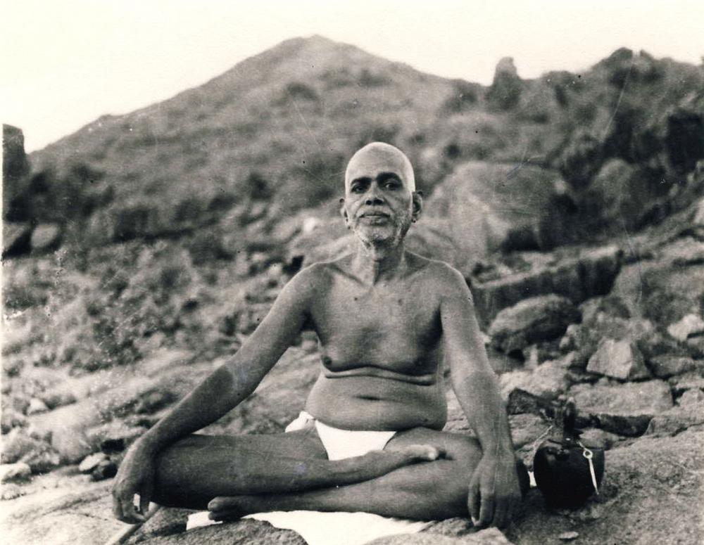 Risultati immagini per Ramana Maharshi  Vita e Insegnamenti