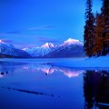 mountain-lake-lodge-landscape-wallpaper-1